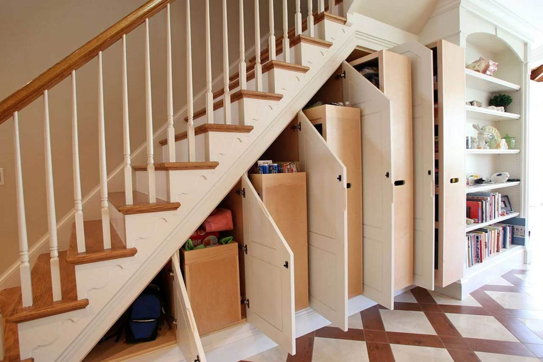 utilize staircase space