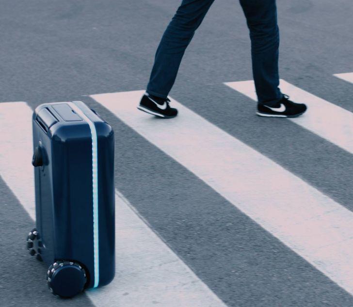 A robot suitcase