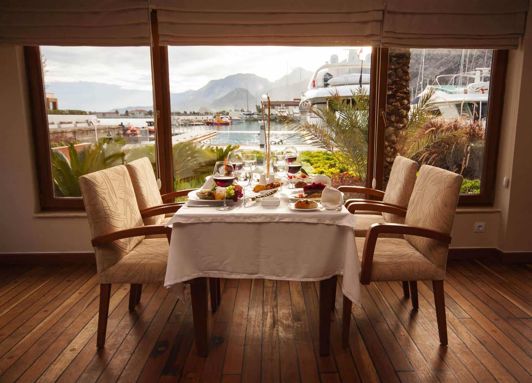restaurants-interior-designs-1