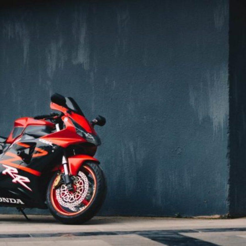 Buying MotorCyclye Feature IMage