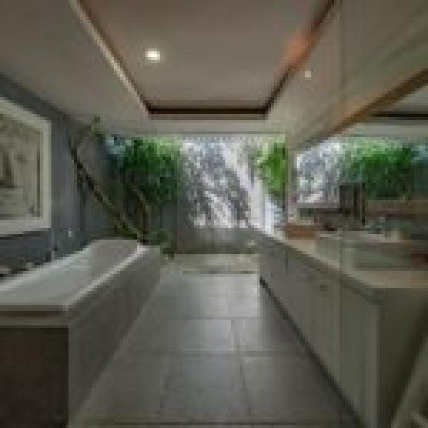 Luxurious Shower 25