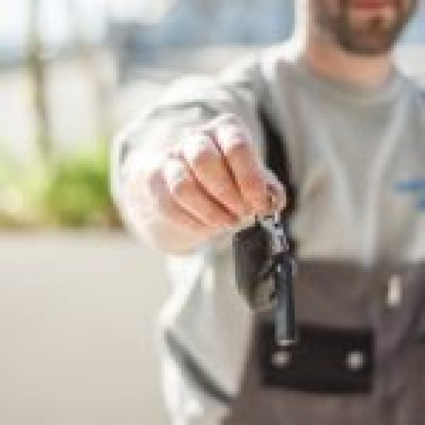 Mistakes selling Used Car feature Image