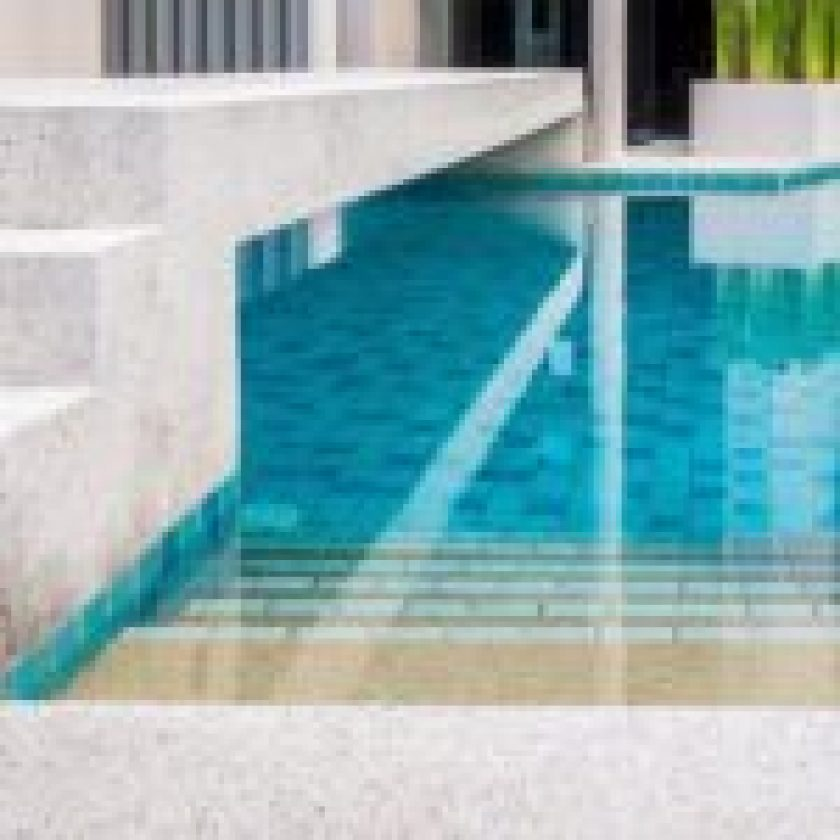 Hire Swimming Pool Contractor