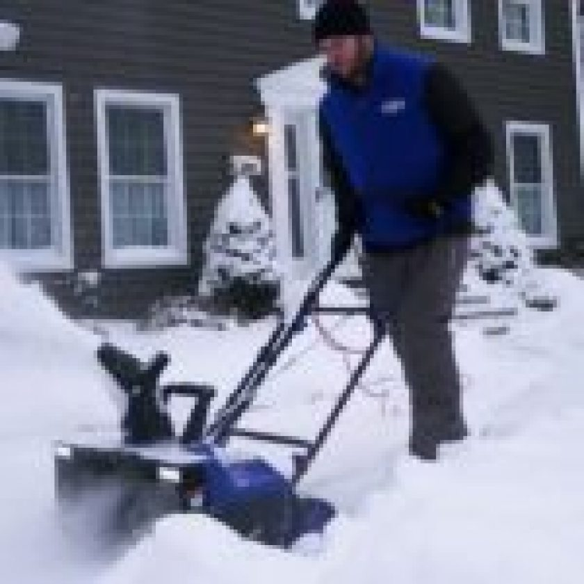 Snowblower by Snow Joe